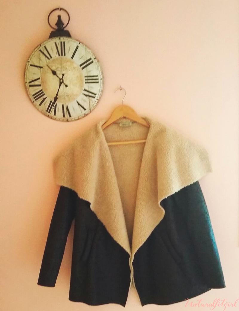 chaqueta negra con forro borrego